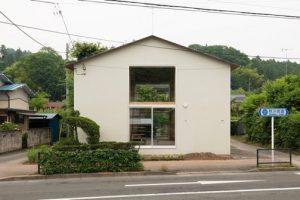 秋川街道の家